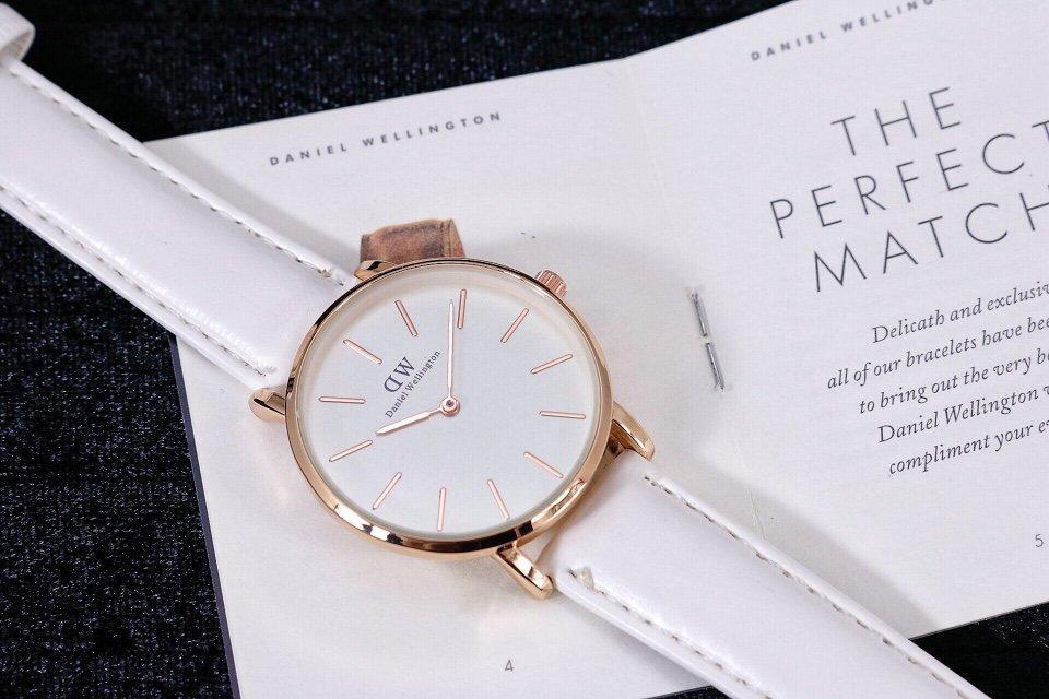 Lựa chọn mẫu đồng hồ Daniel Wellington dây da với nhiều ưu đãi trong tháng 6 1